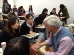 Geoffrey Cowan meeting with journalism students at Fudan University